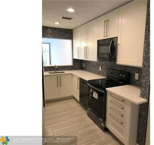 1415 Southeast Miami Road, Unit A Image #1