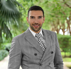 Ahmad Hesari,                       Agent in Miami - Compass
