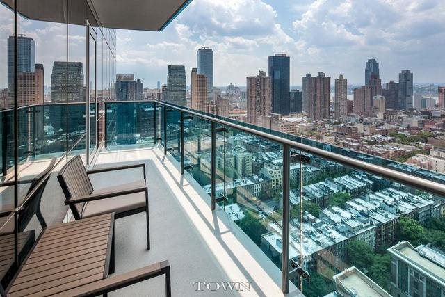 306 West 48th Street, Unit 9A Image #1