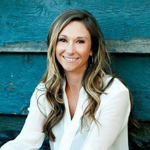 Jenna Belden, Agent in  - Compass