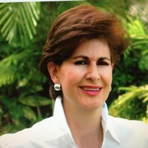 Clara Susana Escobar,                       Agent in Miami - Compass