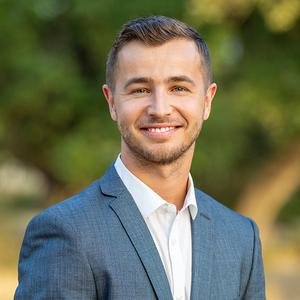 Aaron Urbanus, Agent in Austin - Compass