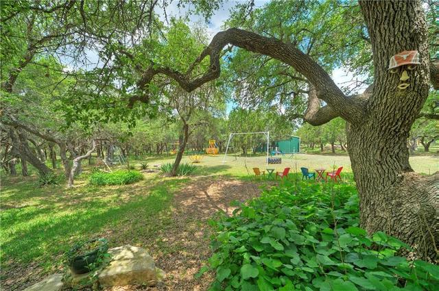 124 Vista Oaks Drive Dripping Springs, TX 78620