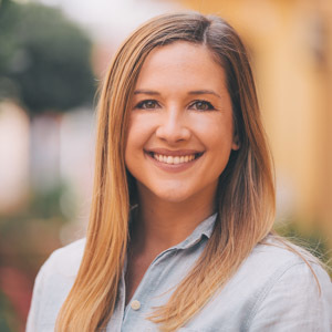 Keely Myres,                     Agent in Los Angeles - Compass