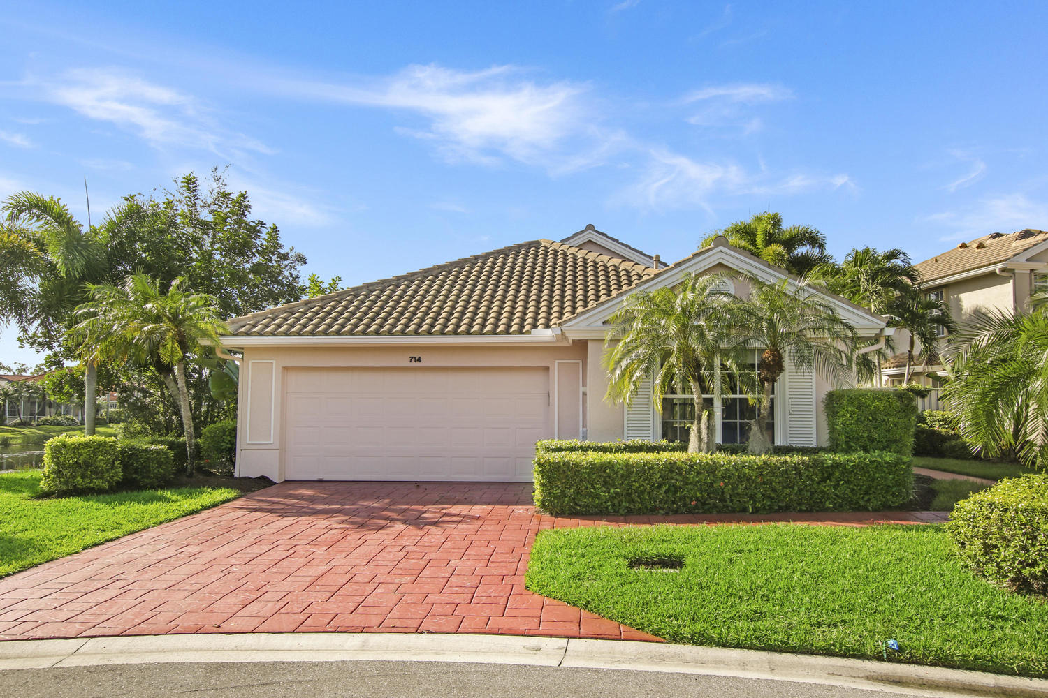 714 Pinehurst Way Palm Beach Gardens, FL 33418