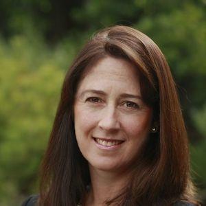 Headshot of Dana Fillinger