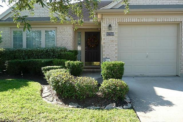 12310 Shady Brook Drive Pearland, TX 77584