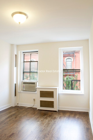 114 East 11th Street, Unit 3W Image #1
