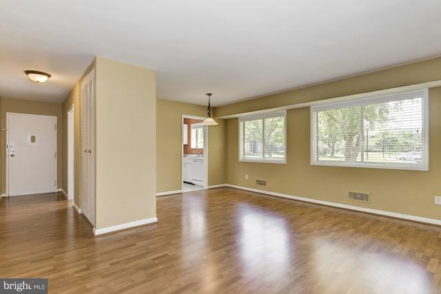 10655 Montrose Avenue, Unit M1 Bethesda, MD 20814
