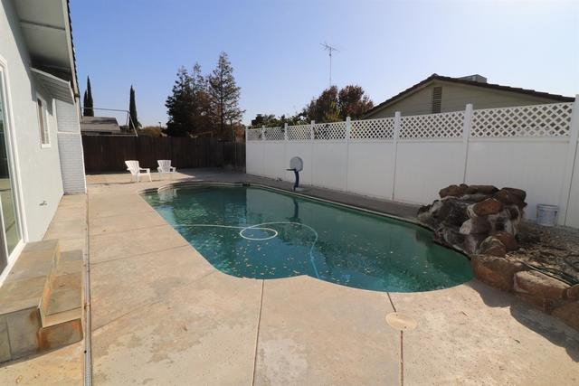 2832 El Farrari Court Ceres, CA 95307