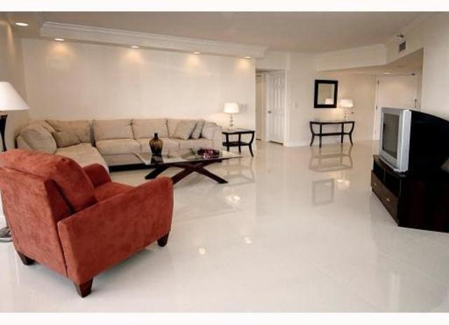 19355 Northeast Turnberry Way, Unit 4A Image #1