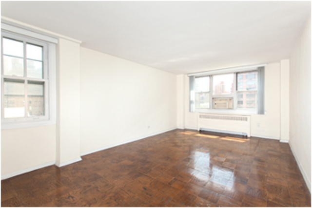 240 East 35th Street, Unit 9A Image #1