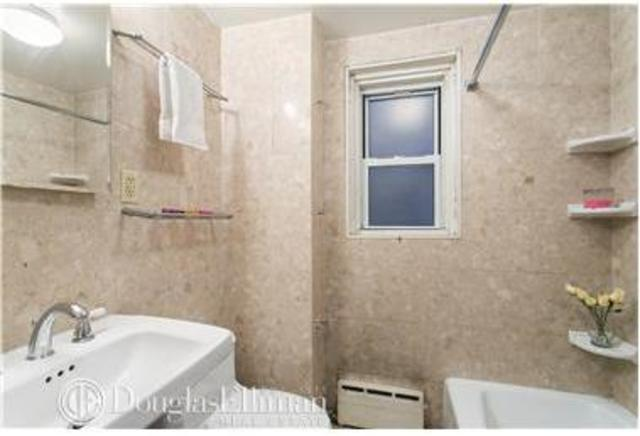 155 East 49th Street, Unit 5G Image #1