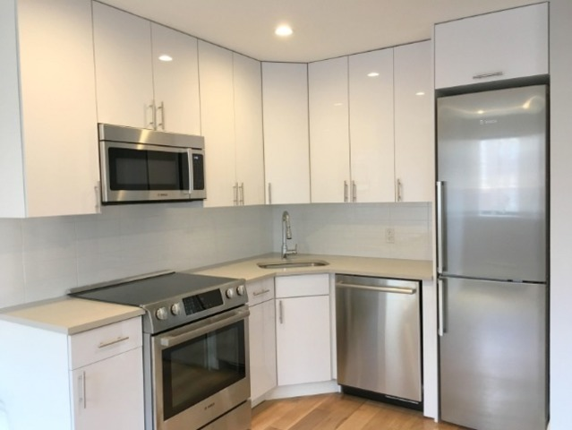 309 West 30th Street, Unit 6A Image #1