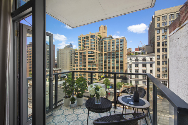 163-165 West 18th Street, Unit 7A Manhattan, NY 10011