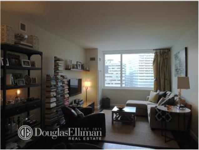 200 North End Avenue, Unit 7L Image #1