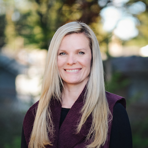 Stefanie Perry,                       Agent in Seattle - Compass
