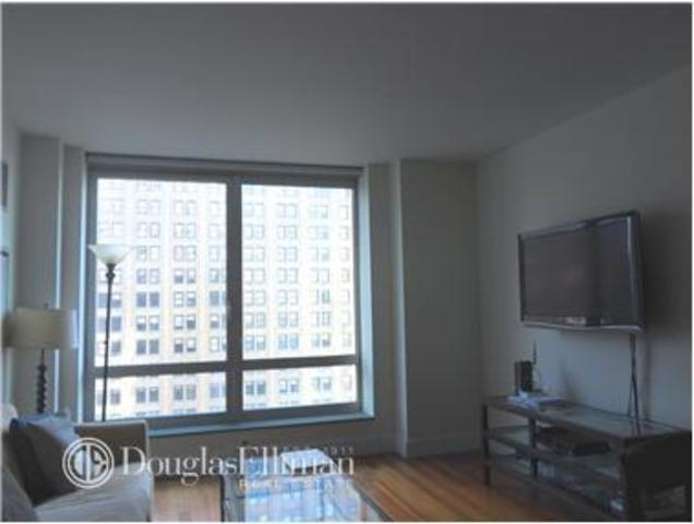 30 West Street, Unit 22D Image #1