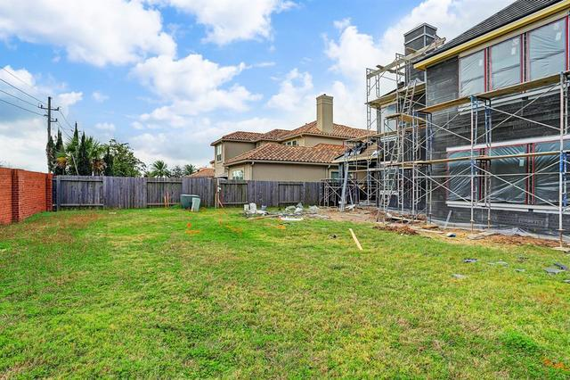 2119 Camden Creek Lane Houston, TX 77077