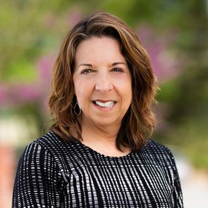 Holly Deckebach, Agent in Atlanta - Compass
