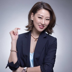LingLong Li,                     Agent in NYC - Compass