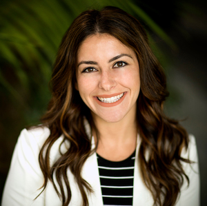Sarah Perry,                     Agent in Los Angeles - Compass
