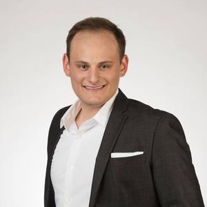 Niklas Ahola,                     Agent in Miami - Compass