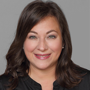 Lourdes Arencibia,                     Agent in Chicago - Compass