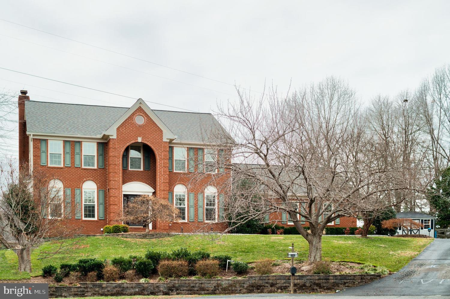 8820 Hampton Station Court Lorton, VA 22079