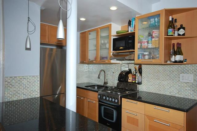 210 East 36th Street, Unit 10F Image #1