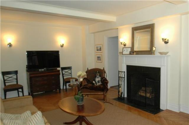 210 East 68th Street, Unit 10A Image #1