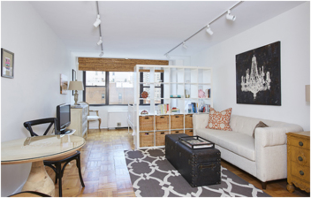 175 East 74th Street, Unit 9D Image #1