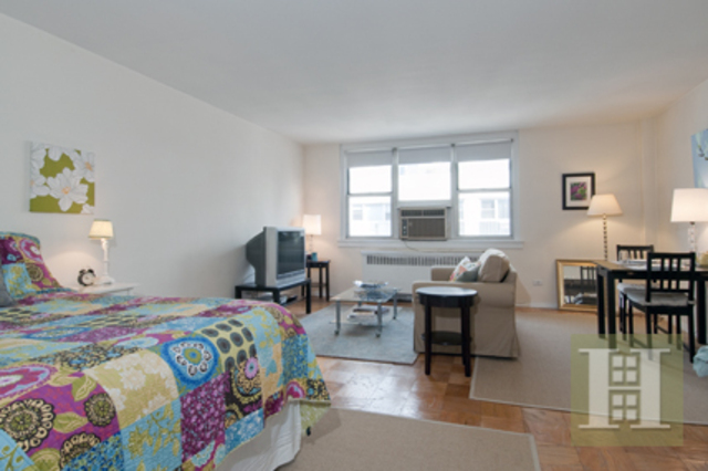 240 East 35th Street, Unit 12E Image #1