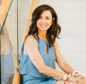 Veronica Paglia,                     Agent in Los Angeles - Compass