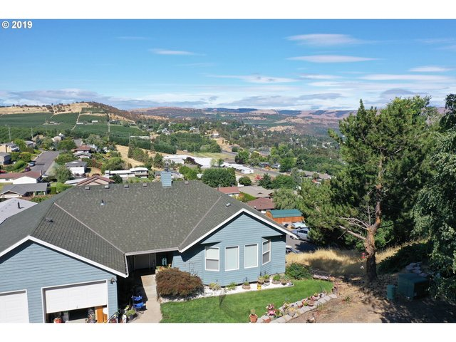 1639 East 21st Street The Dalles, OR 97058