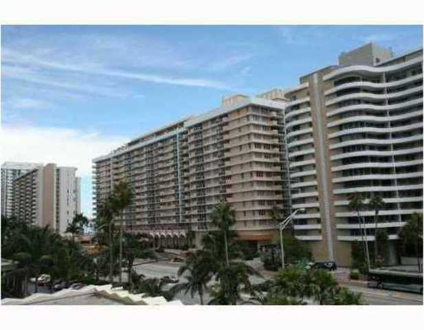 5600 Collins Avenue, Unit 5K Image #1