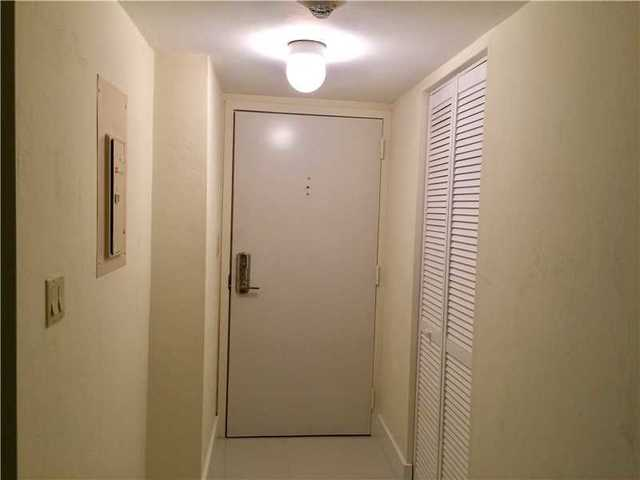600 Northeast 36th Street, Unit 321 Image #1