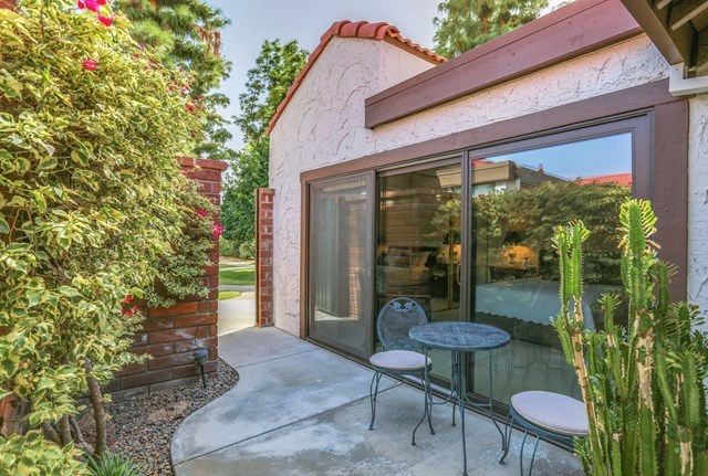 2352 Mira Monte Circle West, Unit D Palm Springs, CA 92264