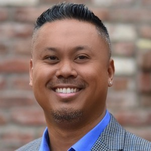Chris Luna,                     Agent in San Francisco - Compass