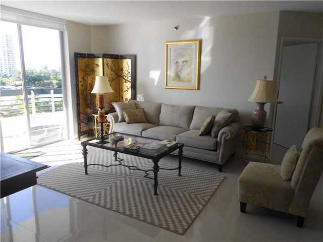 3600 Mystic Pointe Drive, Unit 702 Image #1