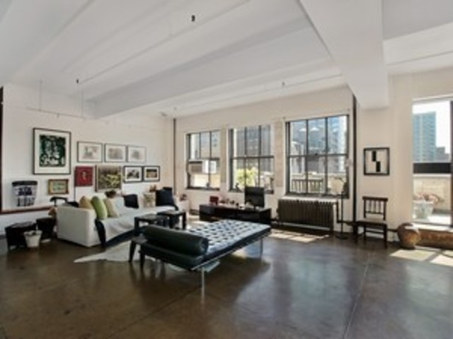 347 West 39th Street, Unit 12E Image #1