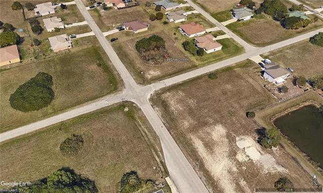 447 Northeast 2nd Place Cape Coral, FL 33909
