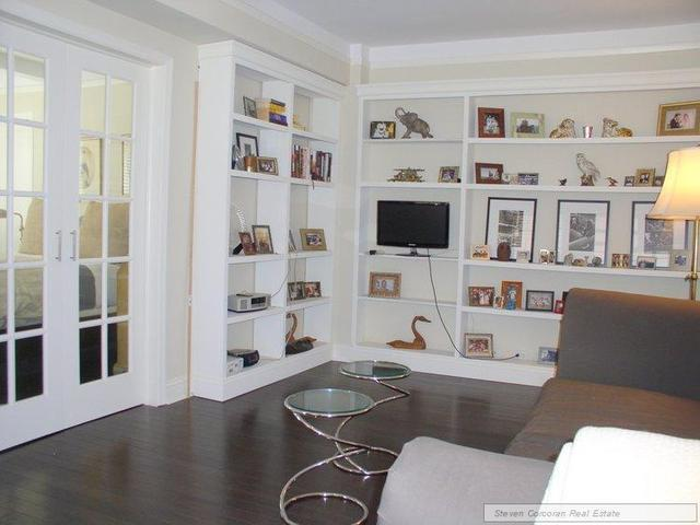 333 East 43rd Street, Unit 214 Image #1