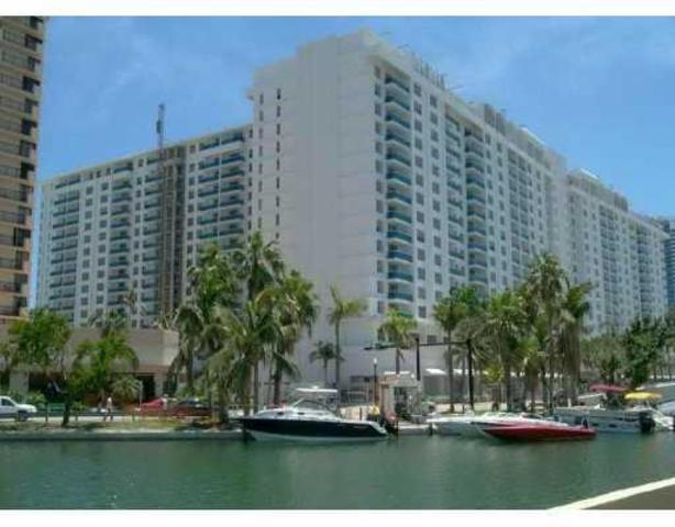 2301 Collins Avenue, Unit 729 Image #1