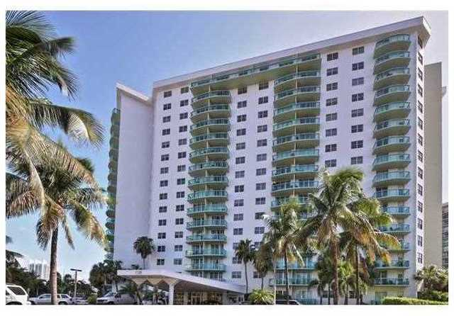 19380 Collins Avenue, Unit 422 Image #1