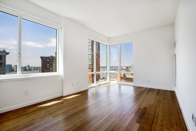 300 North End Avenue, Unit 22D Image #1