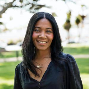 Sonya Coke,                     Agent in Los Angeles - Compass