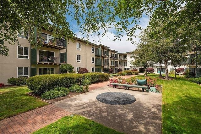 932 Peninsula Avenue, Unit 408 San Mateo, CA 94401
