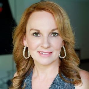 Christina Bristow,                       Agent in Dallas-Fort Worth - Compass