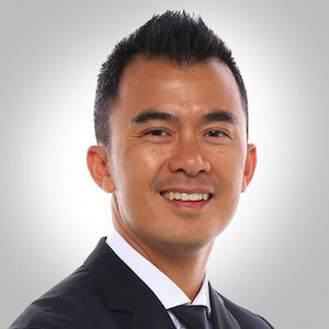 Brad Le,                     Agent in San Francisco - Compass